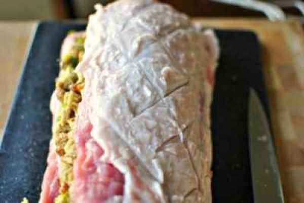 Свинина фаршированная орехами в духовке