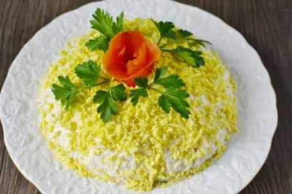 Салат с копченой грудинкой Пасхальный