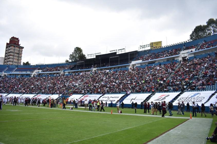 burros-blancos-tribuna-estadio-azul
