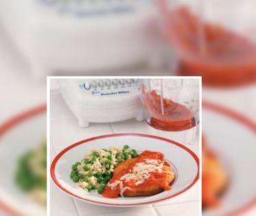 Empanadas con Salsa de Pimiento Rojo