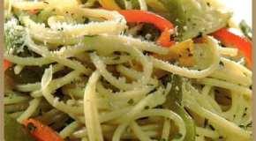 Spaghetti con pimientos, aglio e óleo