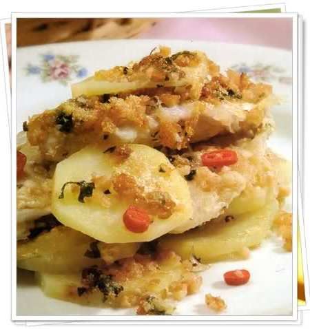 milhojas de papa y pescado gratinado