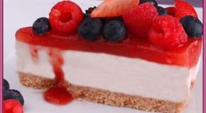 Torta de yogur con gelatina de frambuesas y frutos rojos                                                                                                       Torta de yogur con gelatina de frambuesas y frutos rojos