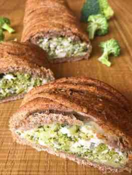 Trenza de harina integral rellena de brócoli y ricota