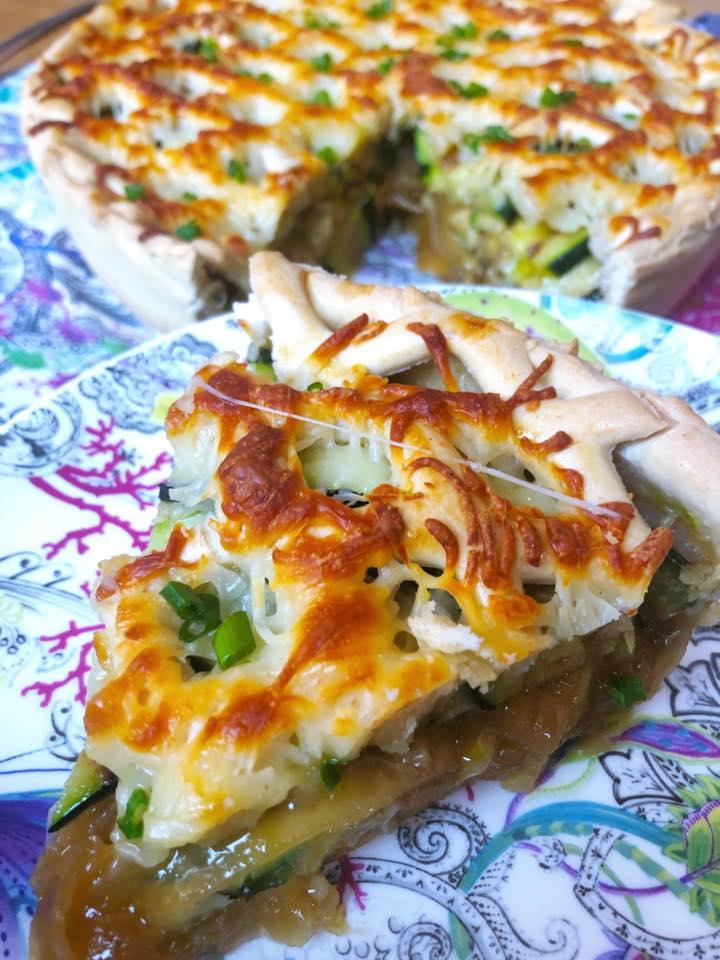 tarta cebolla caramelizada y zucchini