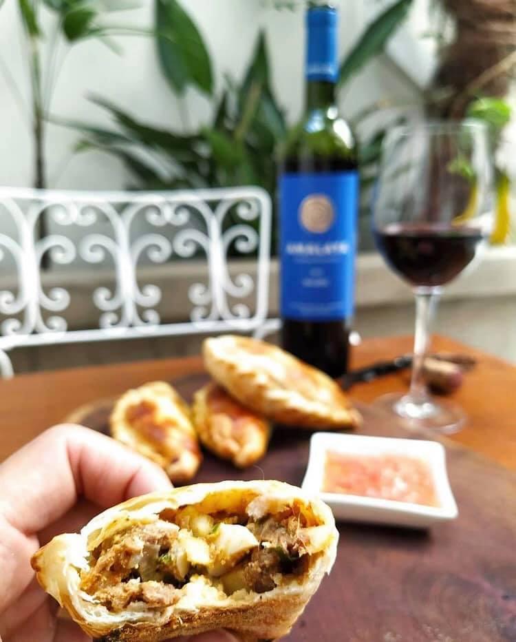 Empanadas Salteñas - Receta de @GuerrilleroCulinario