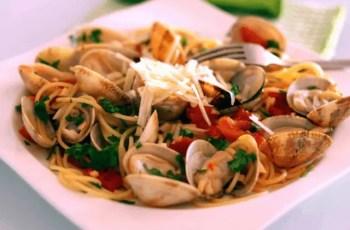 espaguettis con almejas y gambas - Pasta con gambas y almejas