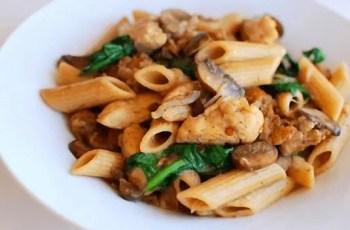 pasta con champiñones y pollo - Pasta con champiñones