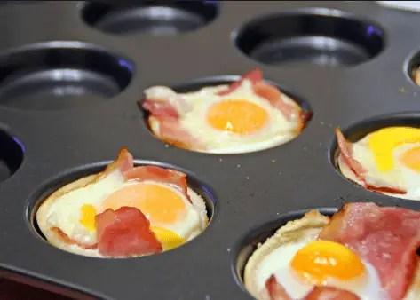 Canastilla de hojaldre con huevos