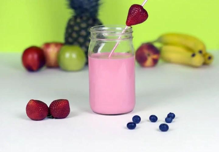 batido yogur fresa y platano - Batido de yogur o yogourt liquido de platano y fresa