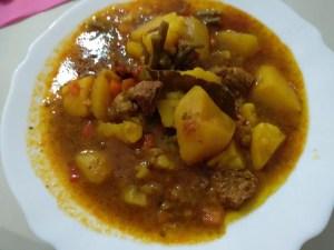 patatas guisadas con carne - Guisos y potajes