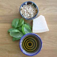 ingredientes para hacer salsa pesto