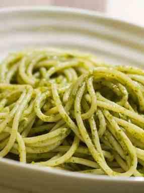 Receta espaguetis con salsa pesto