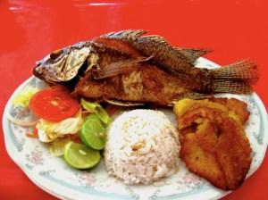 pescado relleno frito