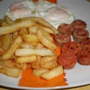 e208d5104268085aecc7ece94f6f710e - ▷ Papas fritas con huevos y longanizas 🥔 🥚