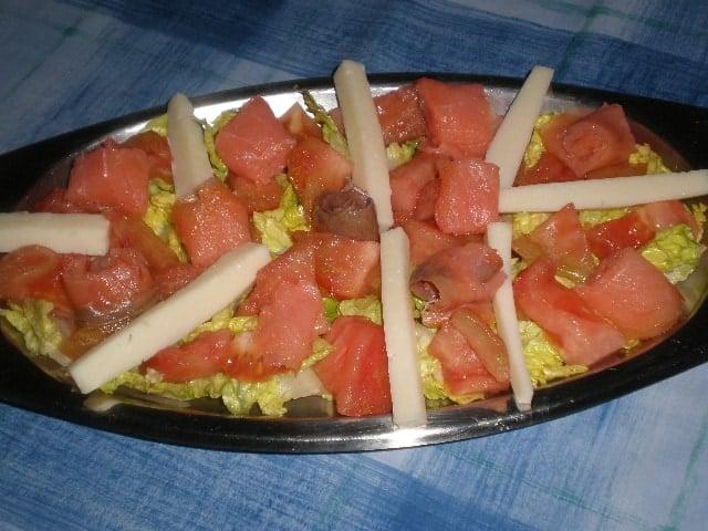 Ensalada de salmón y queso 2