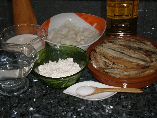 Ingredlientes para las ardinas en bechamel con cebolla