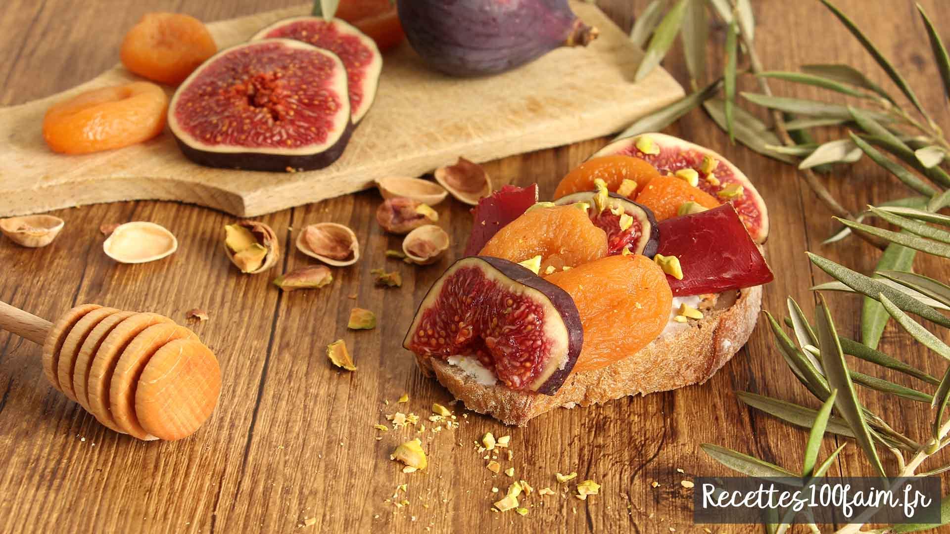 toast chevre figue abricot pistache