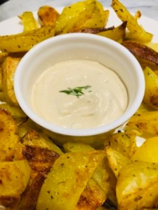#recettefamille #recettesansnoix #recettesansarachide #sanaarachide #sansnoix #aioli #aïoli #sauce #saucefrite #fritte #saucefritte #trempette #aioli #aiolirecette