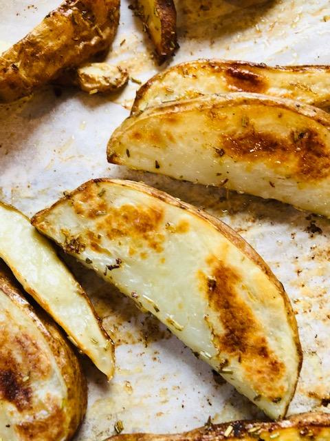 #pommedeterre #pommesdeterre #recettesfamille #recettesansnoix #recettesansarachide #accompagnementaufour #patates #patate #patatesgrecques #patatesaufour