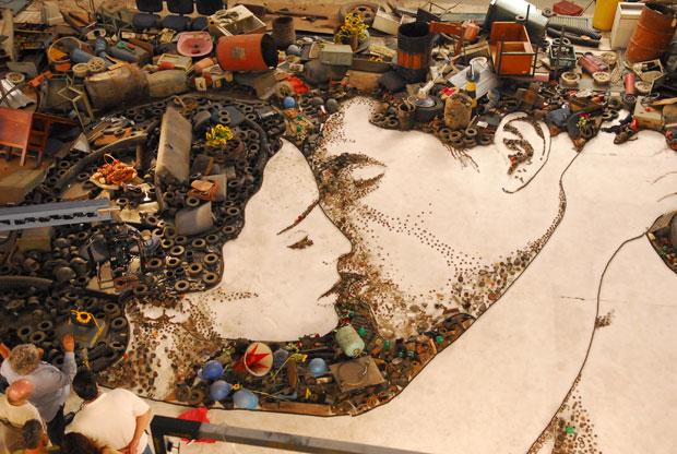 Imagens Extranhas formam a Arte do Lixo. (2/6)