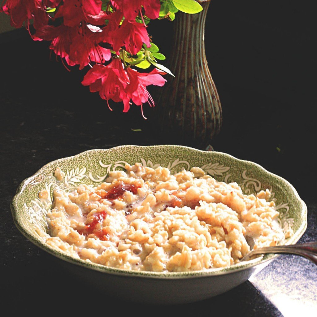 creamy rose vanilla oatmeal with quince jam