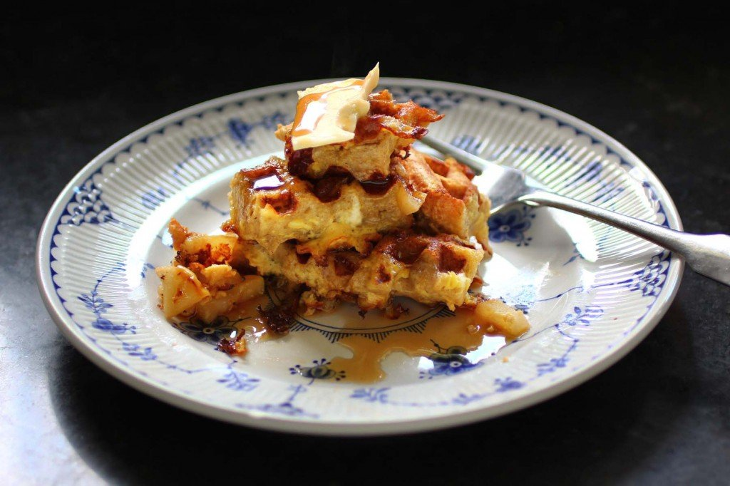 spiced apple french toast waffles