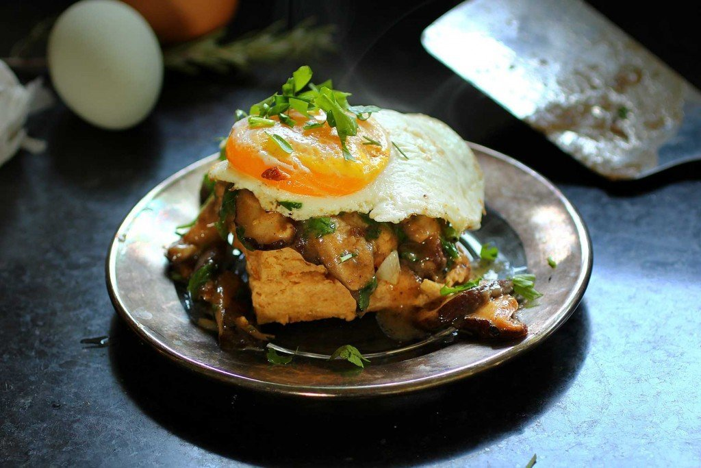 biscuits-and-shiitake-mushroom-gravy-topped-with-an-egg