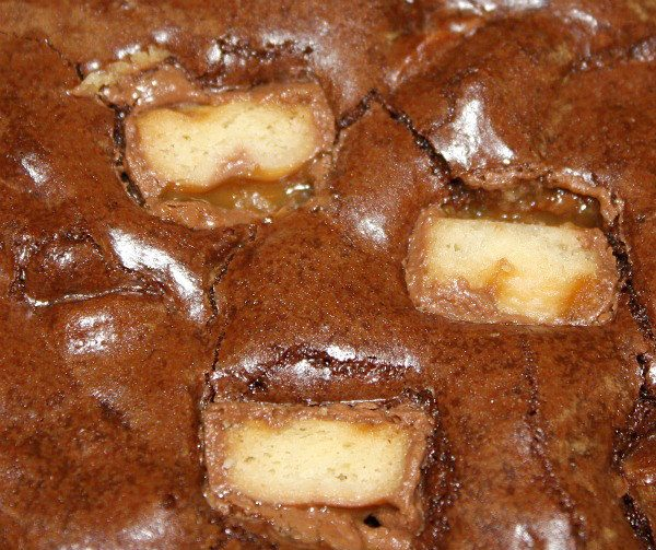 close up of Twix Bar brownies