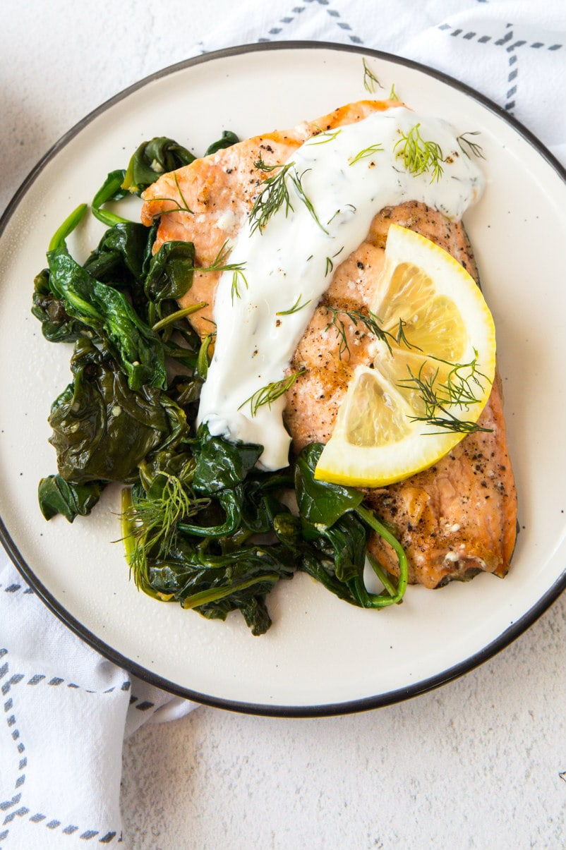Easy Garlic Salmon With Spinach