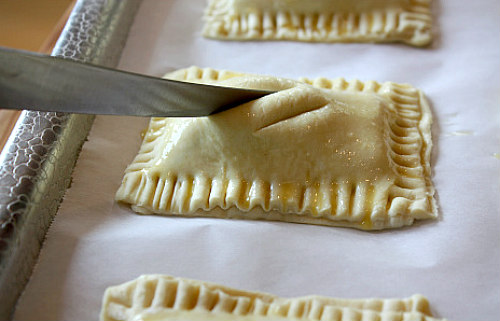 How to Make Peanut Butter S'Mores Turnovers : cutting slits into the pastry