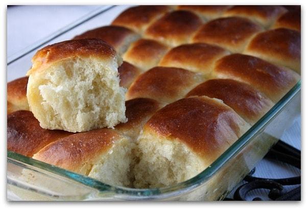 Traditional Thanksgiving Dinner Menu: the rolls