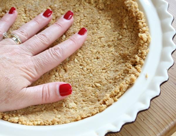 Making Nutter Butter Cookie Pie Crust