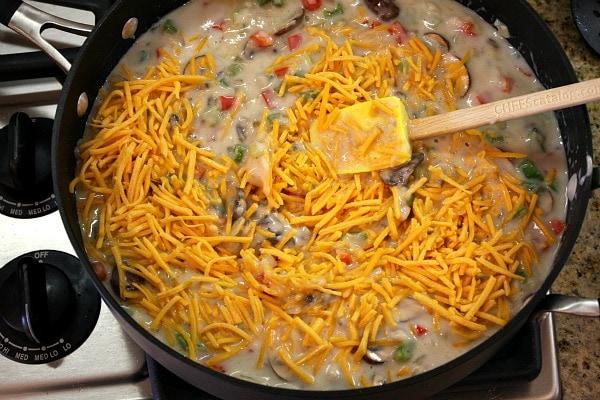 How to Make Chicken Spaghetti Casserole : add the cheese