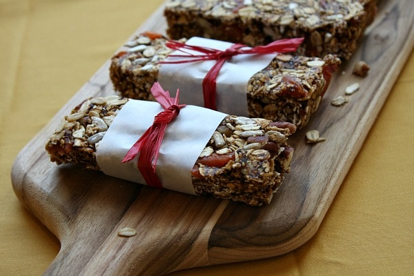 Homemade Granola Bars with wrappers
