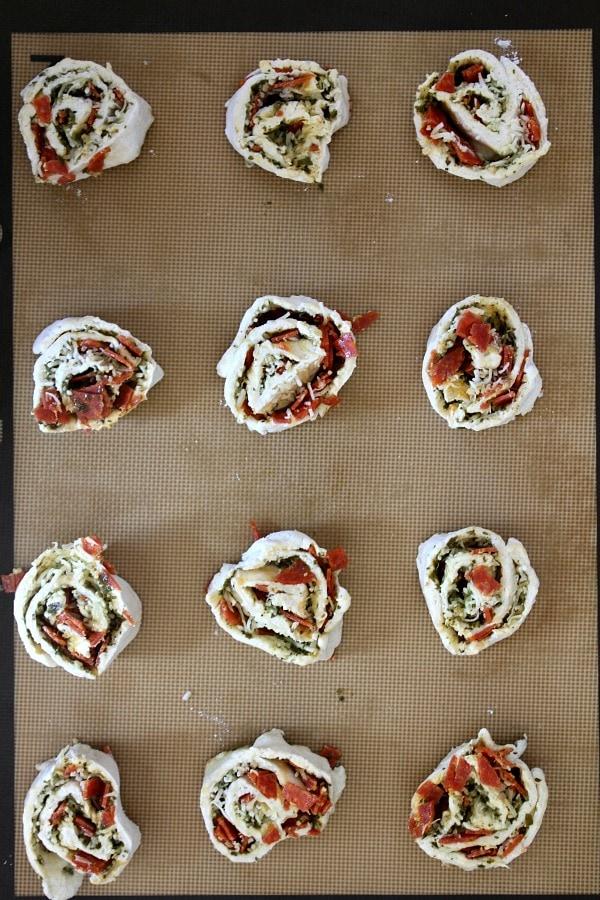 How to Make Pizza Pinwheels