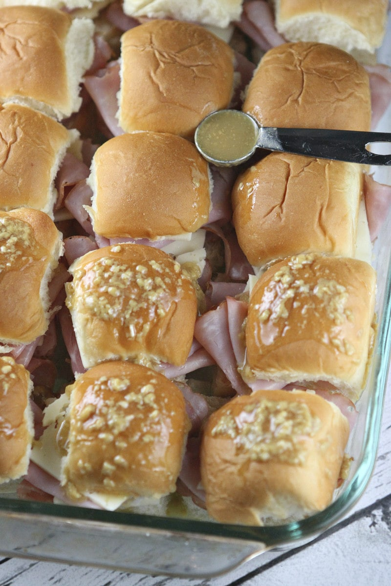 How to Make Baked Ham and Cheese Sliders