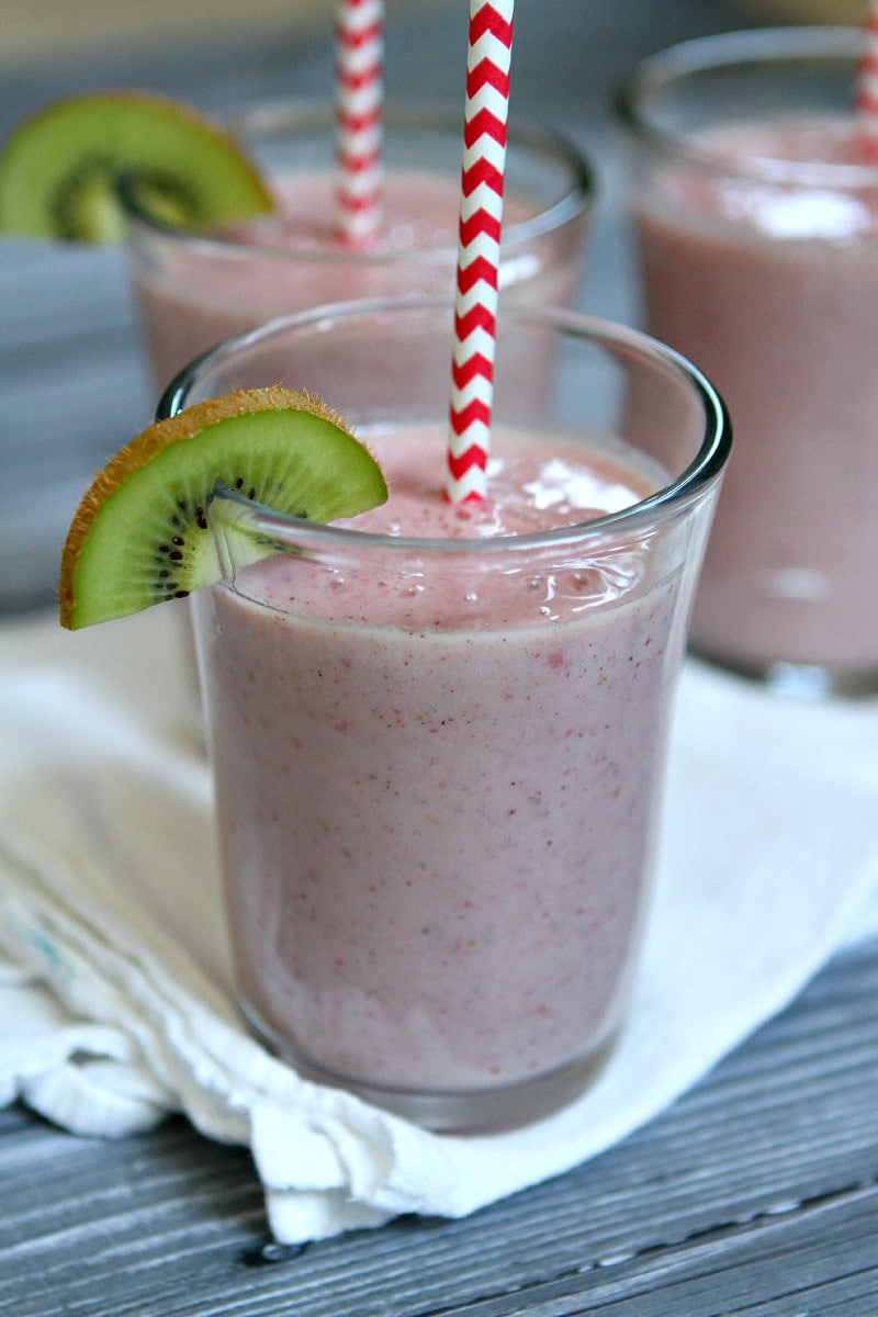 Kiwi Strawberry Smoothie with Kiwi garnish