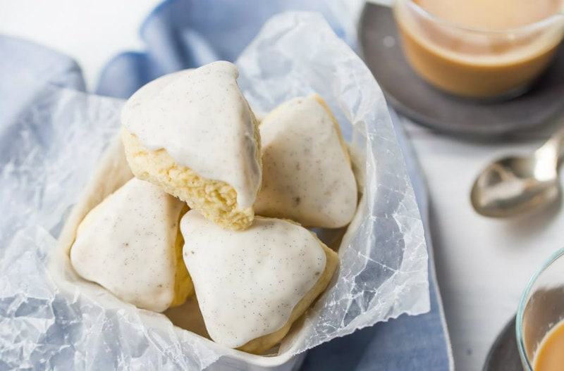 copycat Starbucks petite vanilla bean scones