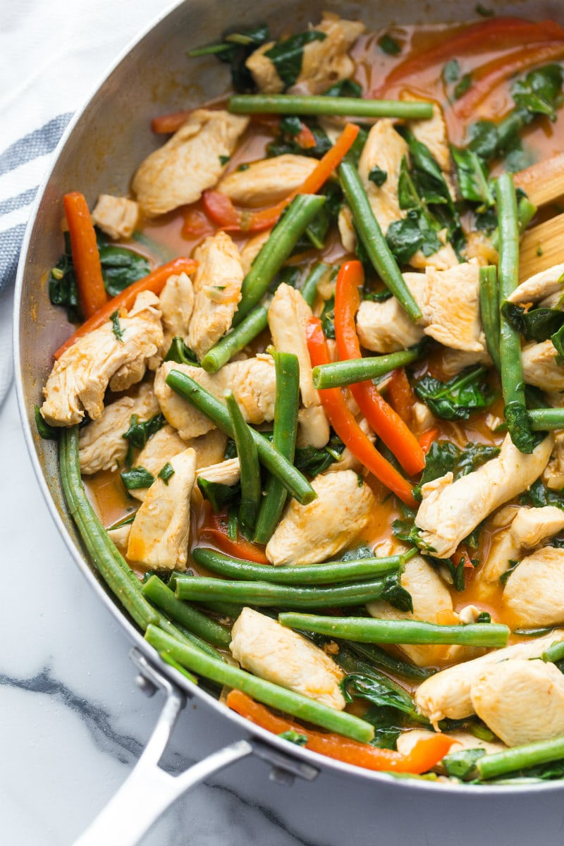 cooking thai curry chicken