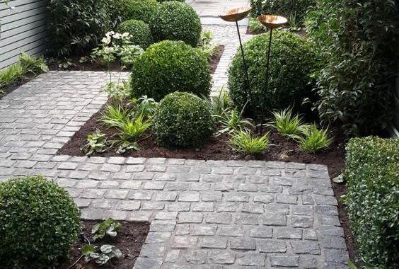 Small Backyard Landscaping 7
