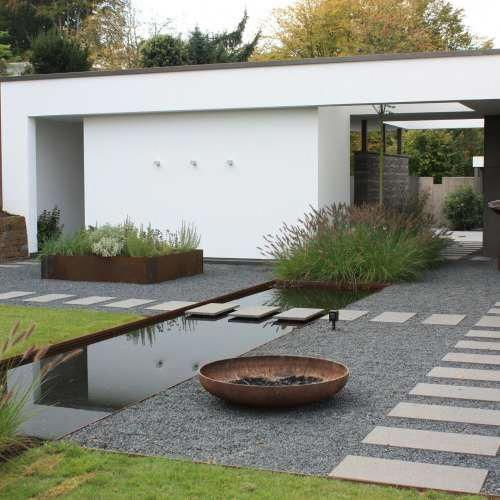 minimalist backyard garden 14