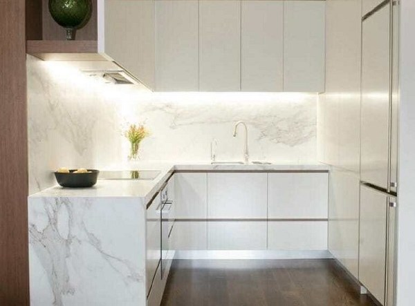 minimalist kitchen feature