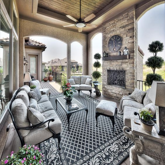 outdoor living room 18