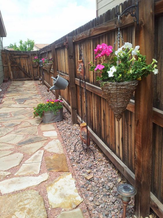fence landscaping ideas 9