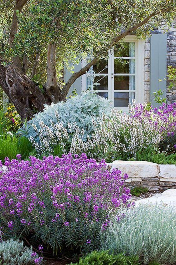 flower backyard ideas 14