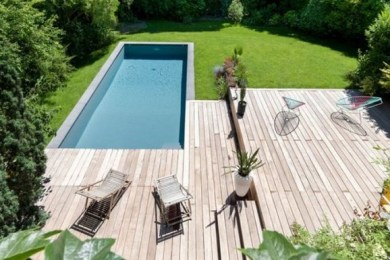 swimming pool deck feature