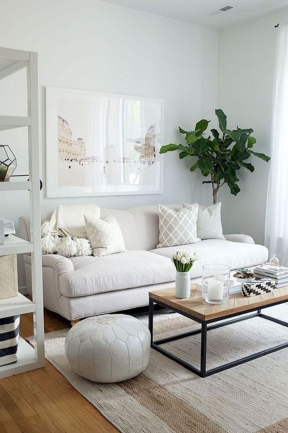 Small Living Room: Fresh All-White Decor