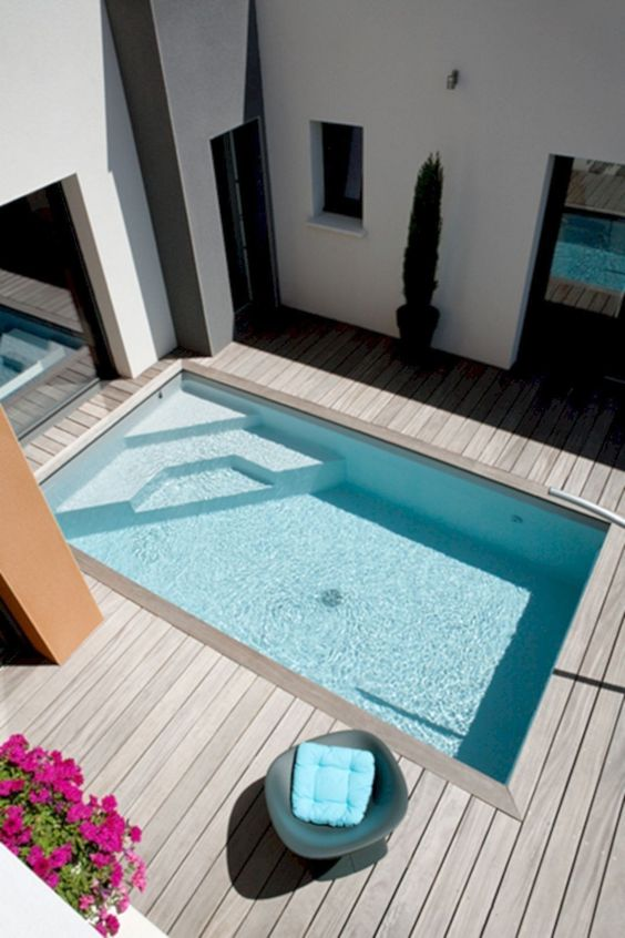 Amazing Swimming Pool: Stylish Minimalist Deck