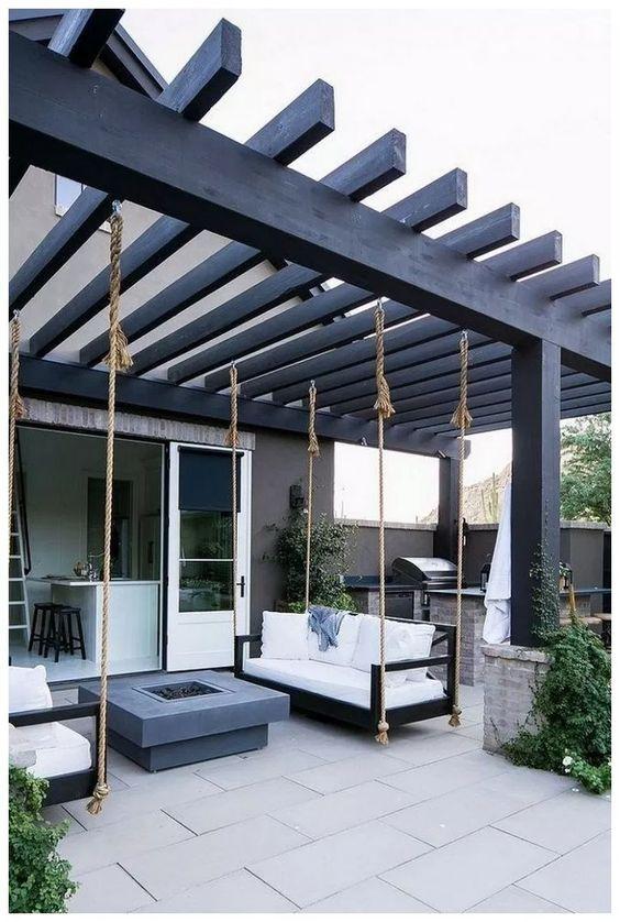 Backyard Furniture Ideas: Fun Sitting Area
